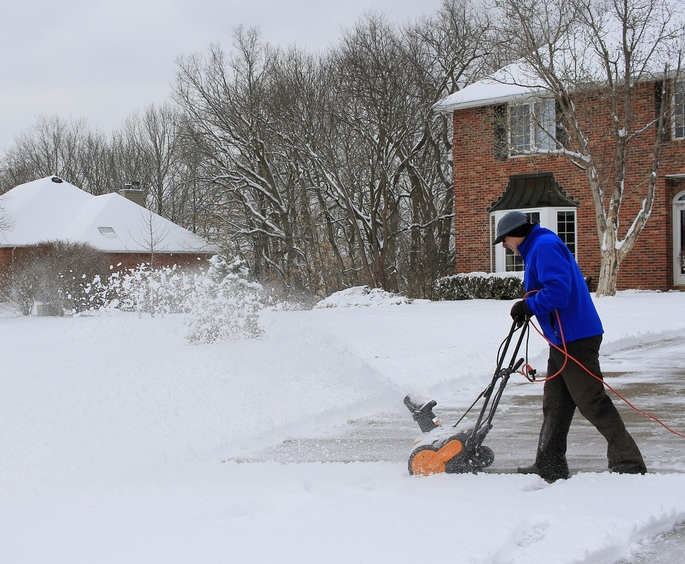 Compare Electric Snow Blowers : Best electric snow blower reviews a green hand