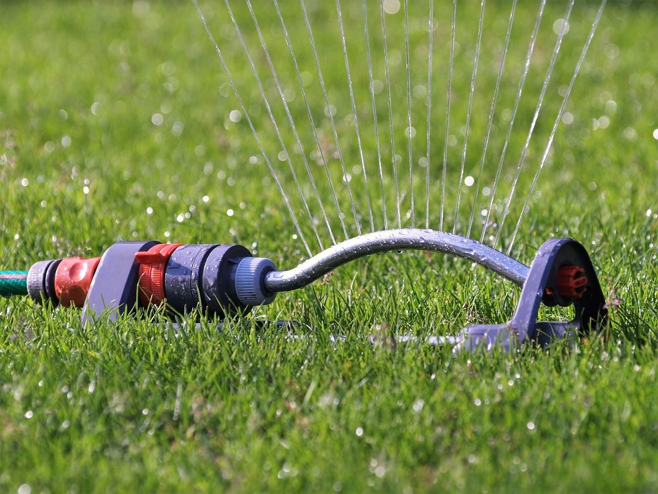 best oscillating sprinkler