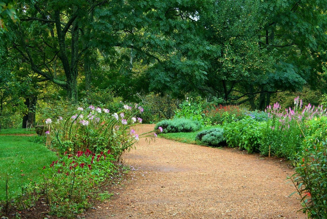 12 Amazing Garden Path Ideas To Consider A Green Hand