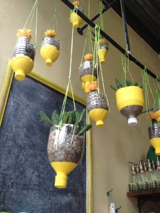 Re-cycled hanging container