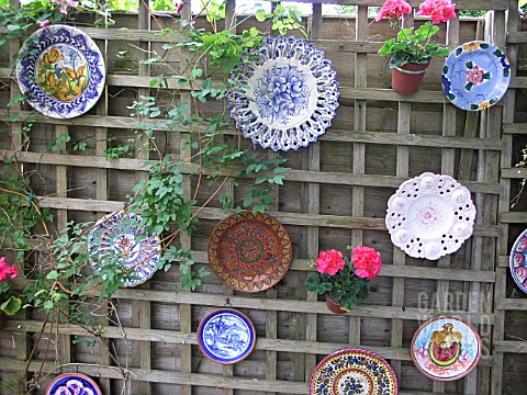 DIY Garden Fence Wall Art Ideas
