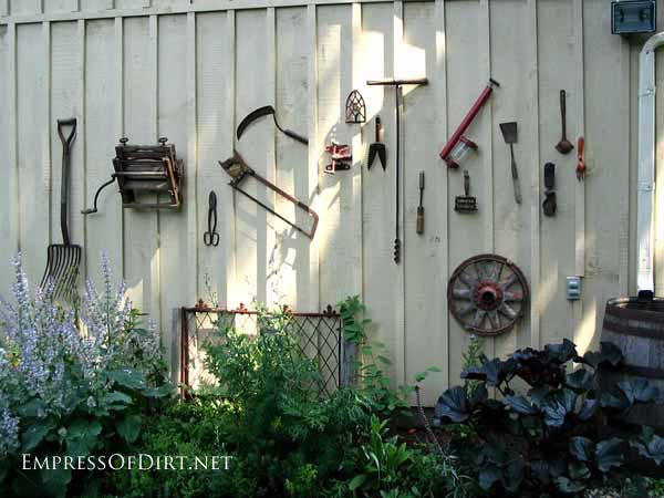 DIY Garden Fence Wall Designs